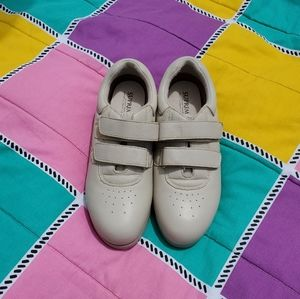 Orthopedic VelcroTan Shoe. Womans size 10N.